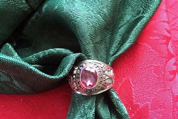 卡城男子重獲20年前丟失戒指