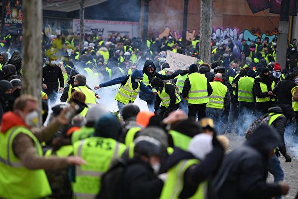 組圖:黃背心運動激化 巴黎警戒 554人被捕 | 燃油稅 | 大紀元