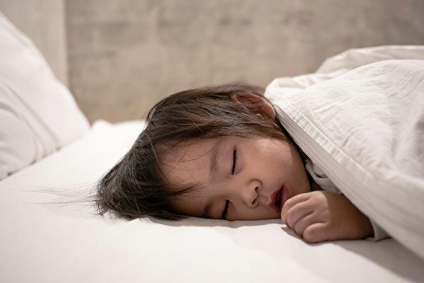 1 / 3的孩子睡眠不好?醫師告訴你原因 | 失眠 | 兒童 | 嬰兒 | 大紀元