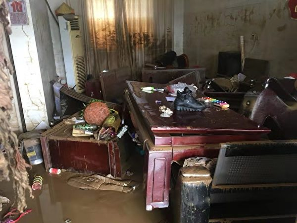 颱風利奇馬襲安徽 洪災面前 村民全靠自救