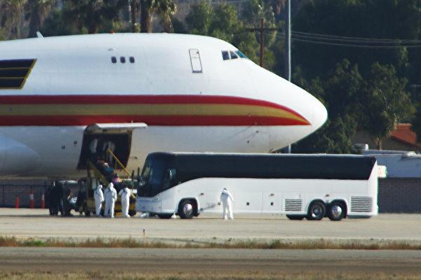 「最後一次機會」 美國撤僑包機周四離開武漢 * 阿波羅新聞網