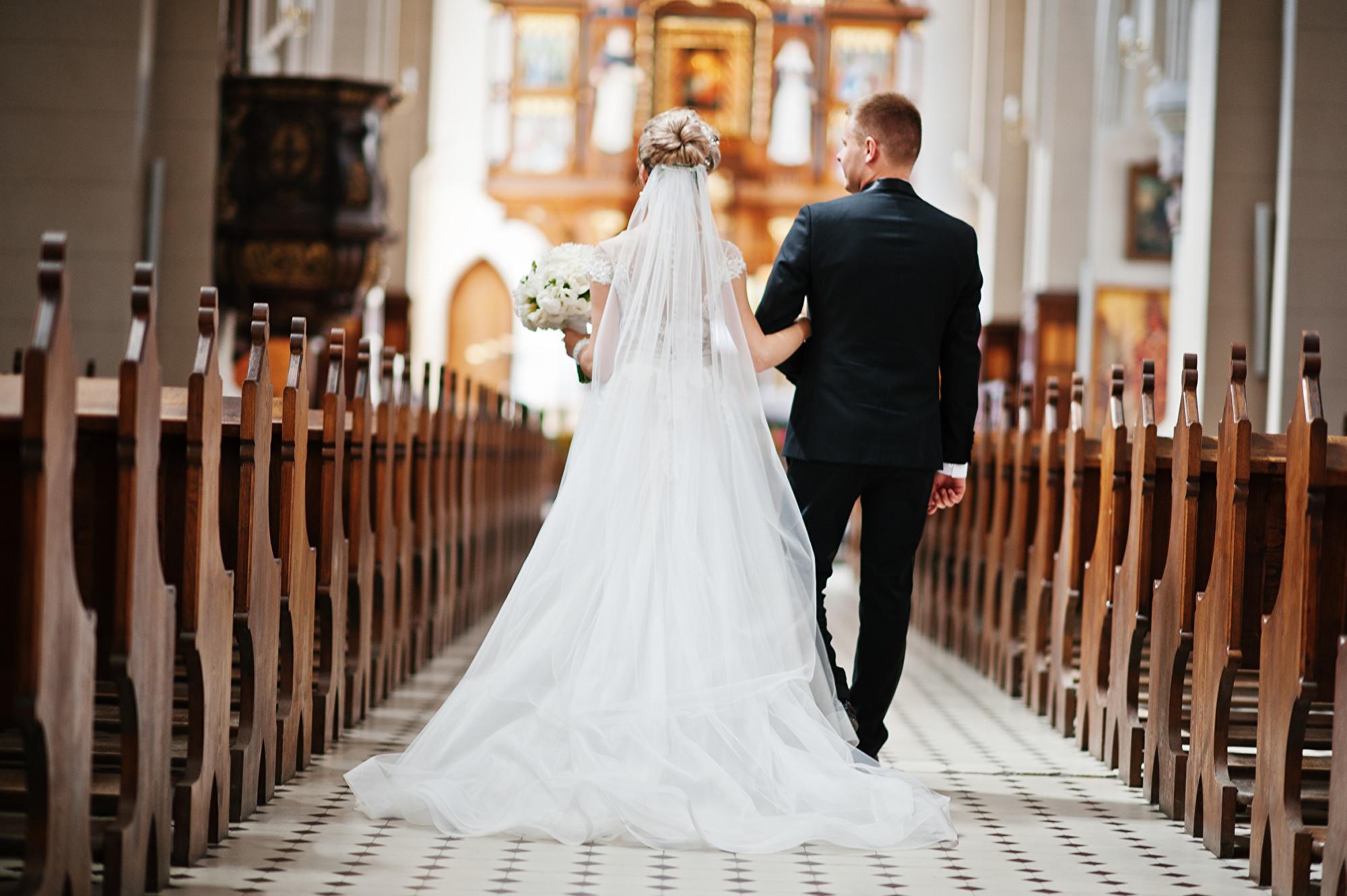 刪女兒婚禮預算印富商蓋房送窮人|大紀元時報 香港|獨立敢言的良心媒體