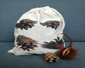 Autumn print, Pine cone d...