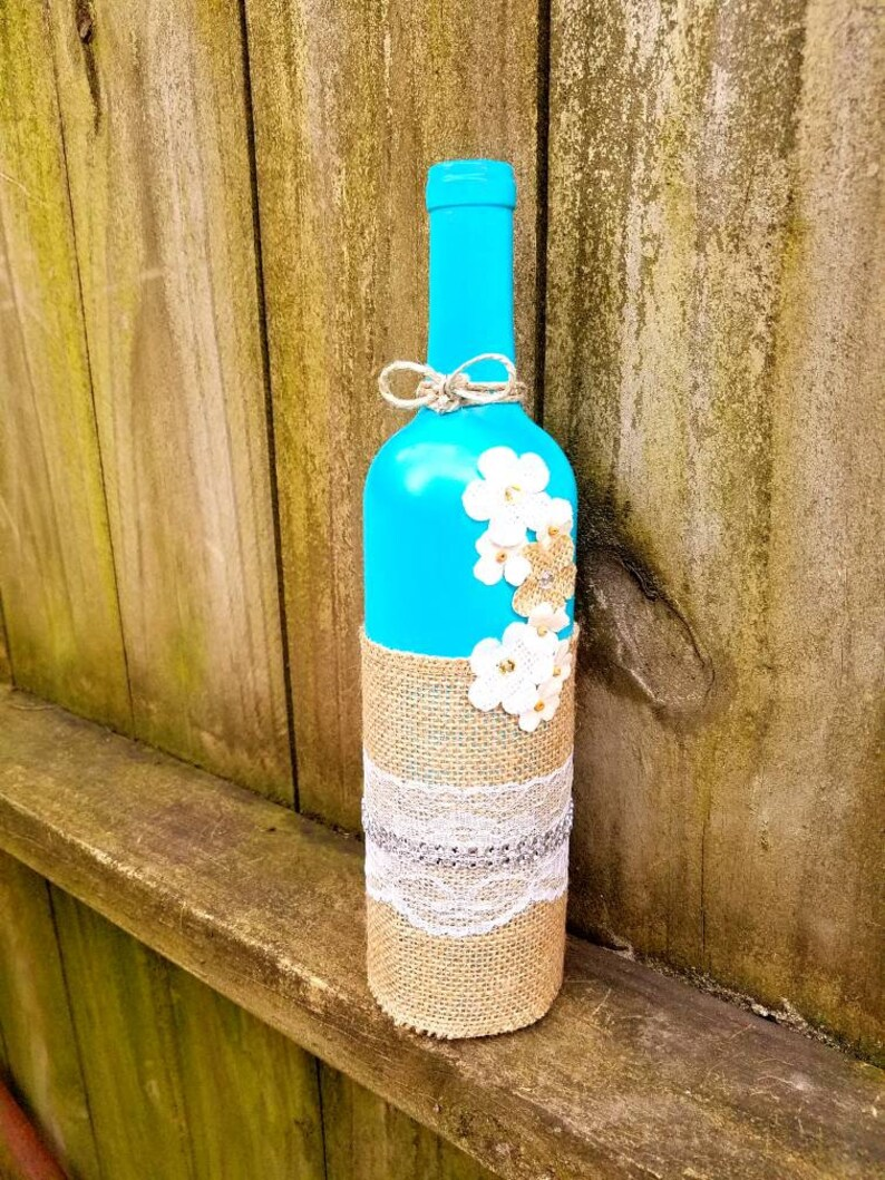 burlap and lace wine