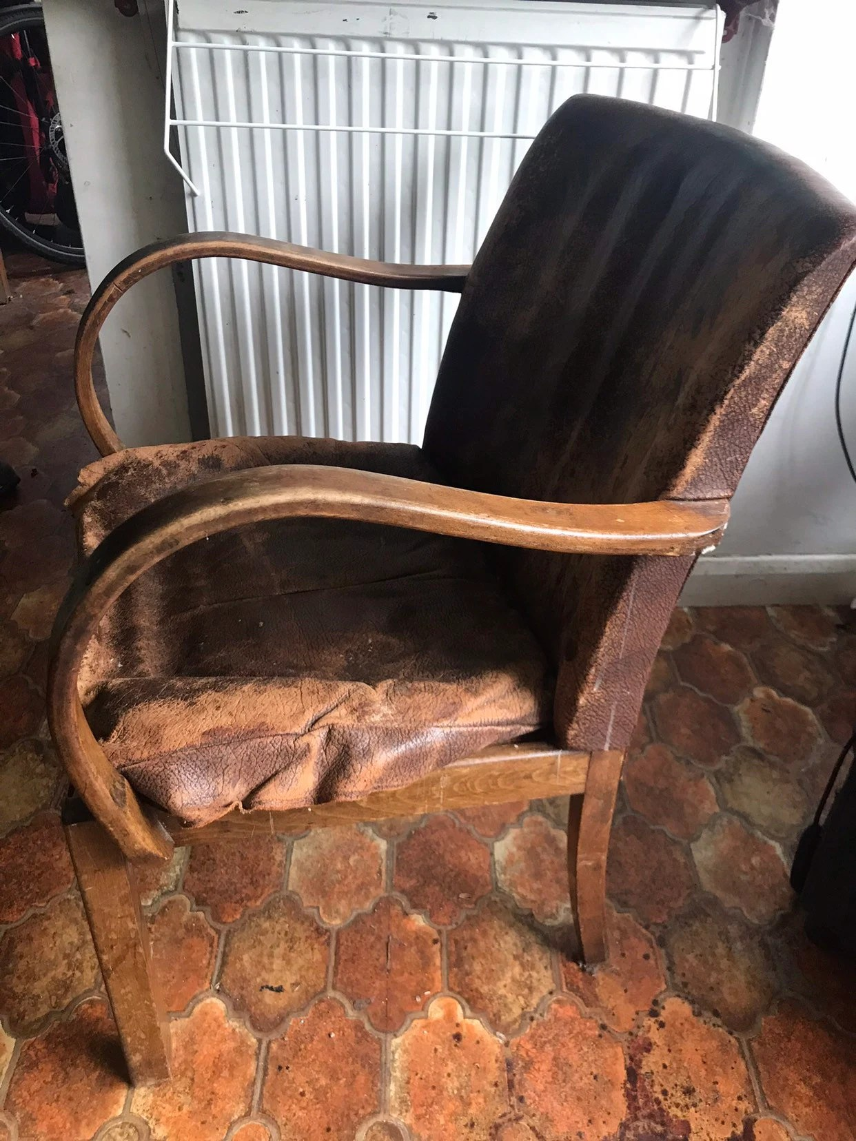 Reupholster Egg Chair Parker Knowles Leather Chair Needs Repair And Reupholstering