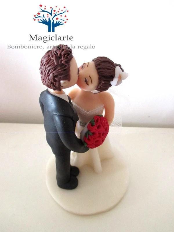Newlyweds cake topper Bri...