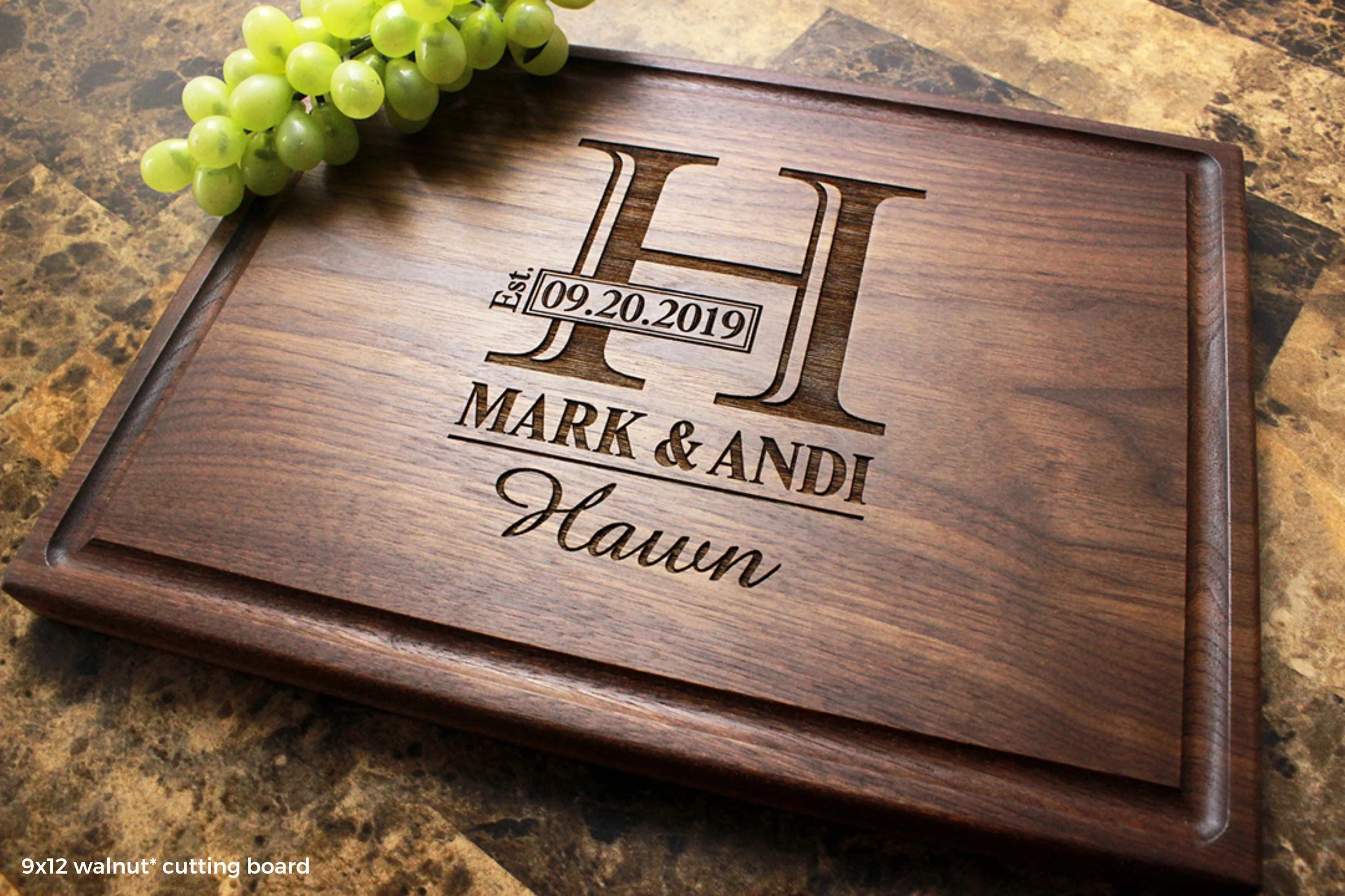 Personalized Monogram Engraved Cutting Board  Wedding image 4