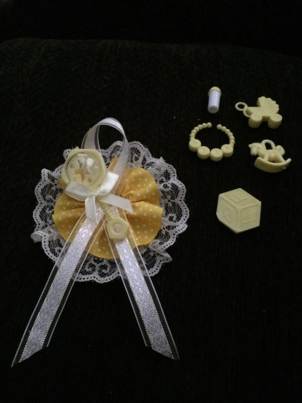 Baby Shower Guest Corsage Capias