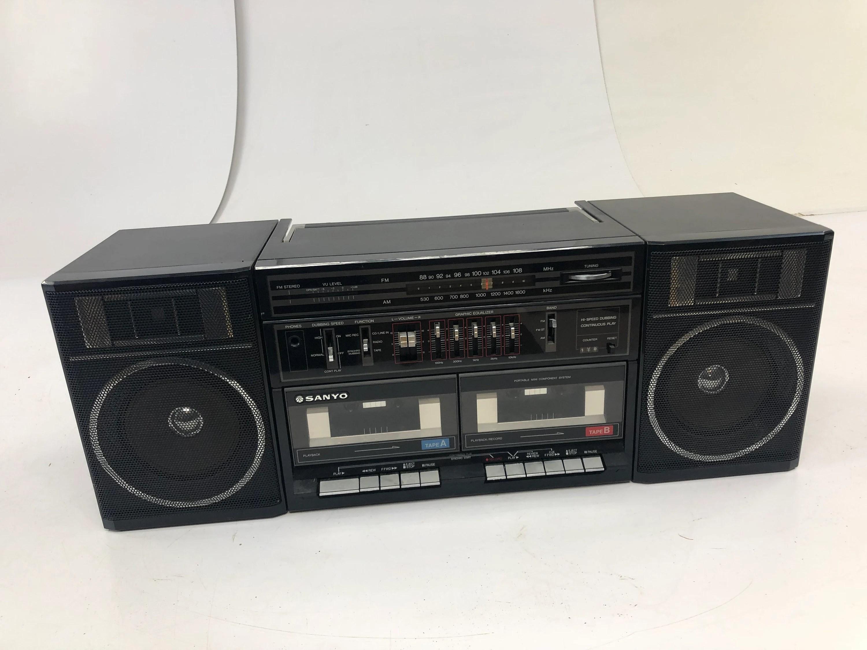 vintage sanyo c35 boombox
