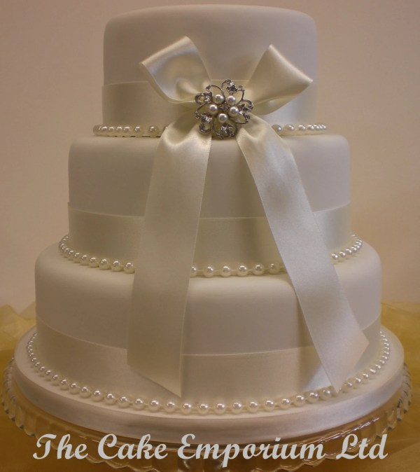 Wedding Cake Bridal Pearl Brooch And Ribbon