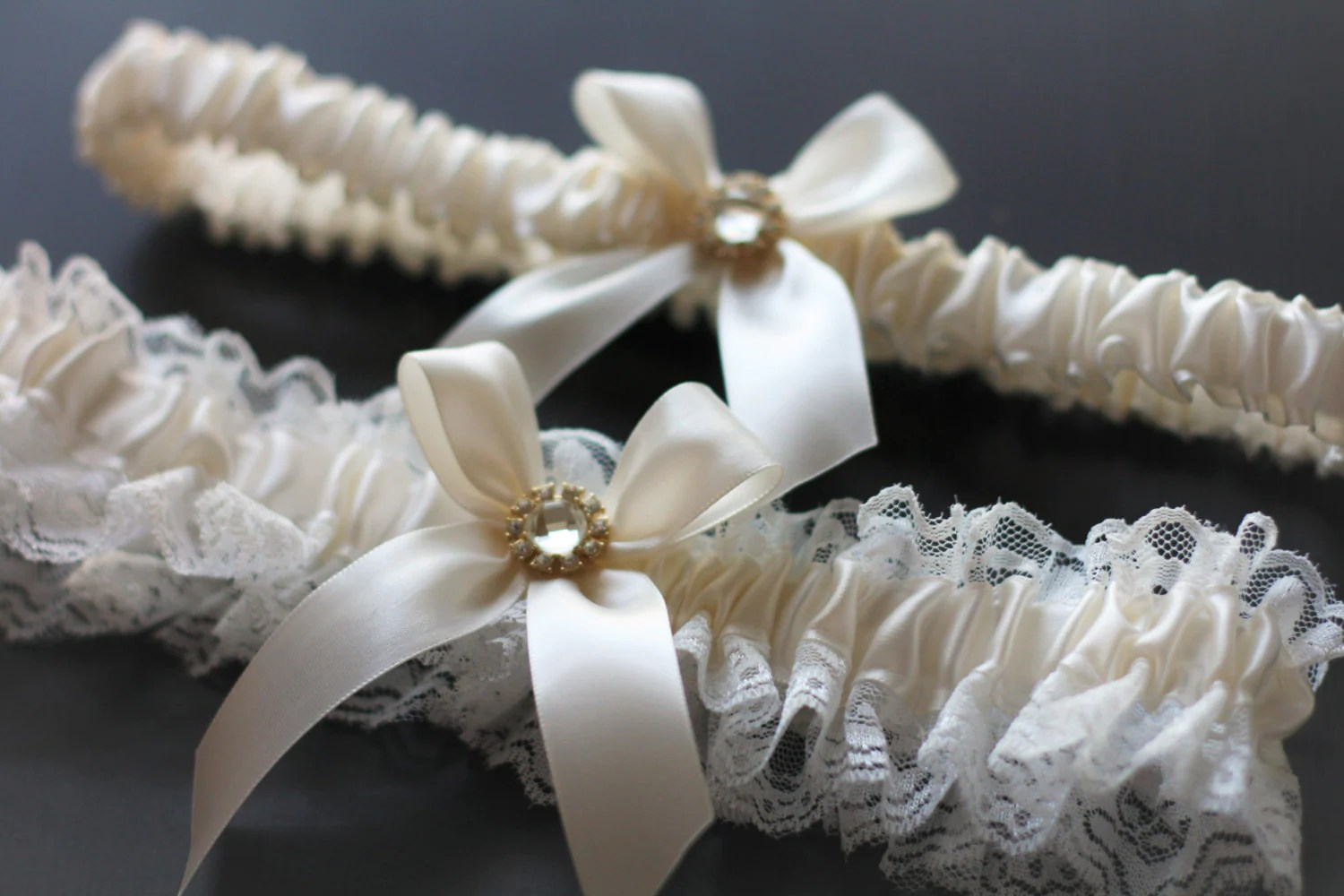 Ivory Wedding Garters Ivory Lace Bridal Garter Set Cream