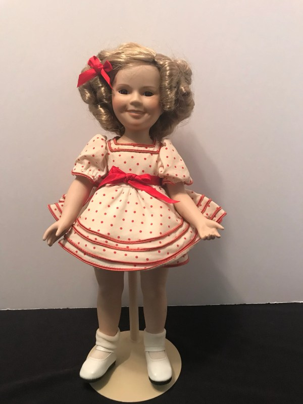 Shirley Temple Porcelain Doll Stand And Cheer