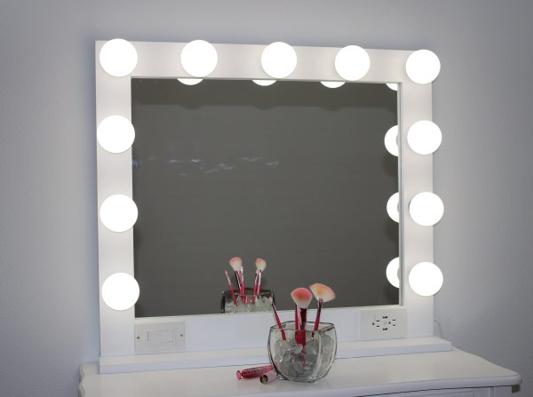White 32 X 28 Hollywood Style Lighted Vanity Makeup Mirror