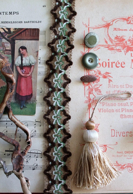 Le Pompon Sur La Garonne Origine : pompon, garonne, origine, Galon,, Vintage, Stripe, French, Passementerie,, Chocolate, Almond, Colour,, Green