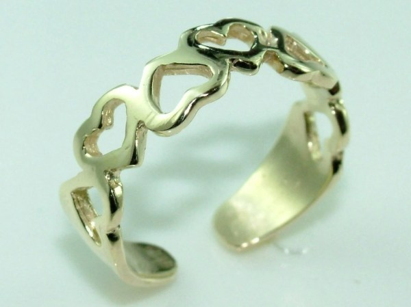 10k Gold Gorgeous Hearts Knuckle Toe Ring Adjustable