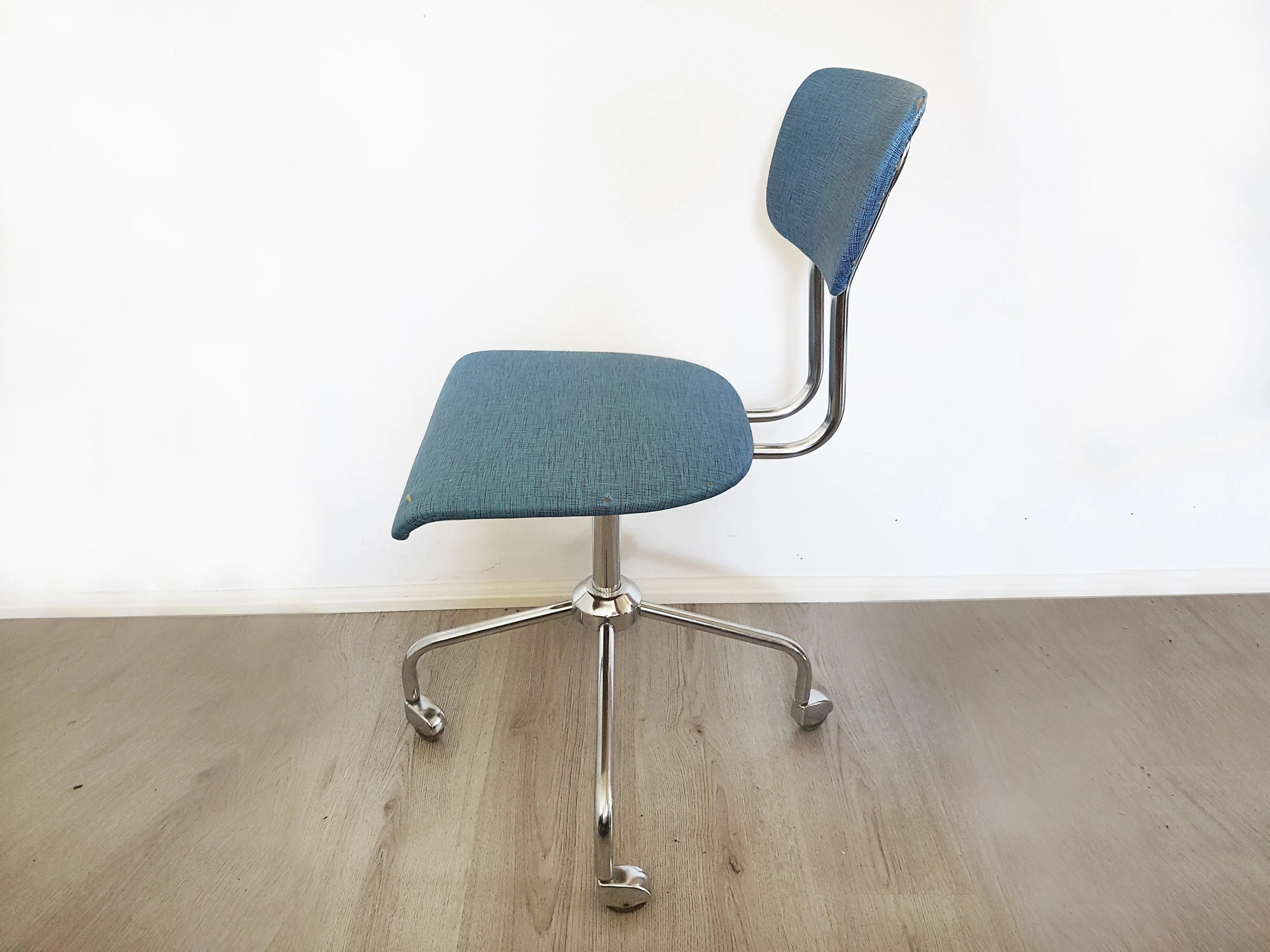 Chair On Wheels Midcentury Office Chair Vintage Rotary Chair On Wheels Chrome Plated Steel Minimalism
