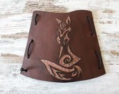 Fox armguard design, brown leather accessory, bowman and archer gift idea, archery protection for woman, high leather cuff outfit for amazon