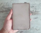 passport case holder in real leather, gift idea for travel lovers, christmas present for husband, boyfriend, brother, document protection
