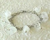 White Pearl and Ice Chunk Beaded Bracelet
