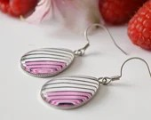 Pink stripe glass teardrop earrings, dangle earring, earrings for women, colorful jewelry, minimalist earring, gift for her