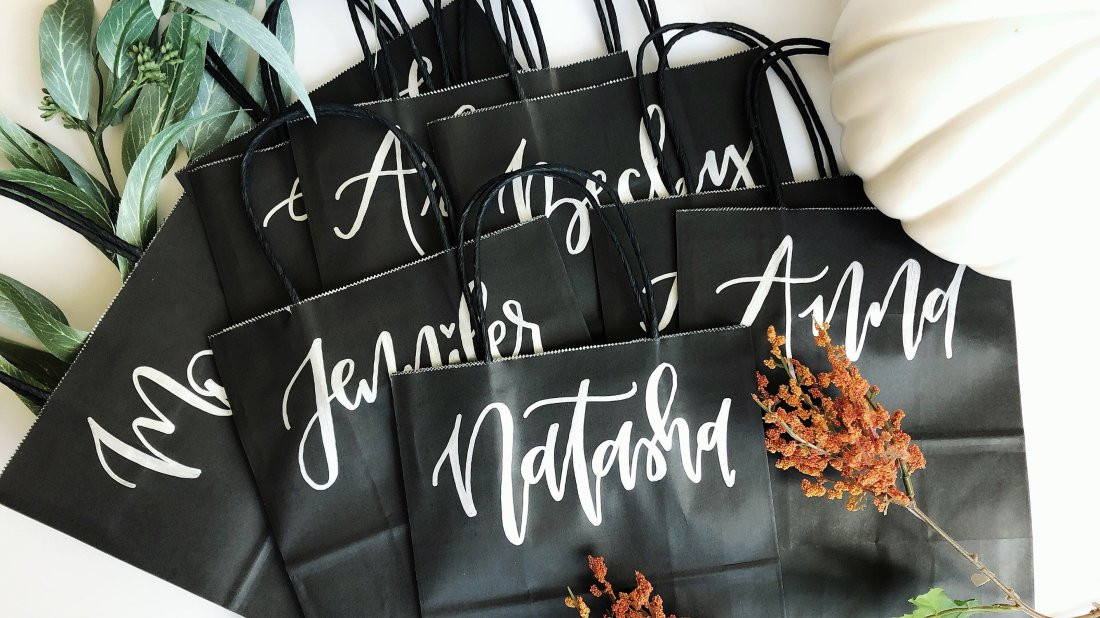 Don't blend in with the crowd when gifting your favorite people this year! Opt for customized gift bags for any person and for any occasion! These bags add a touch of flair and a sprinkle of a personal touch to anyone who receives them! | www.littlefoxlettering.com