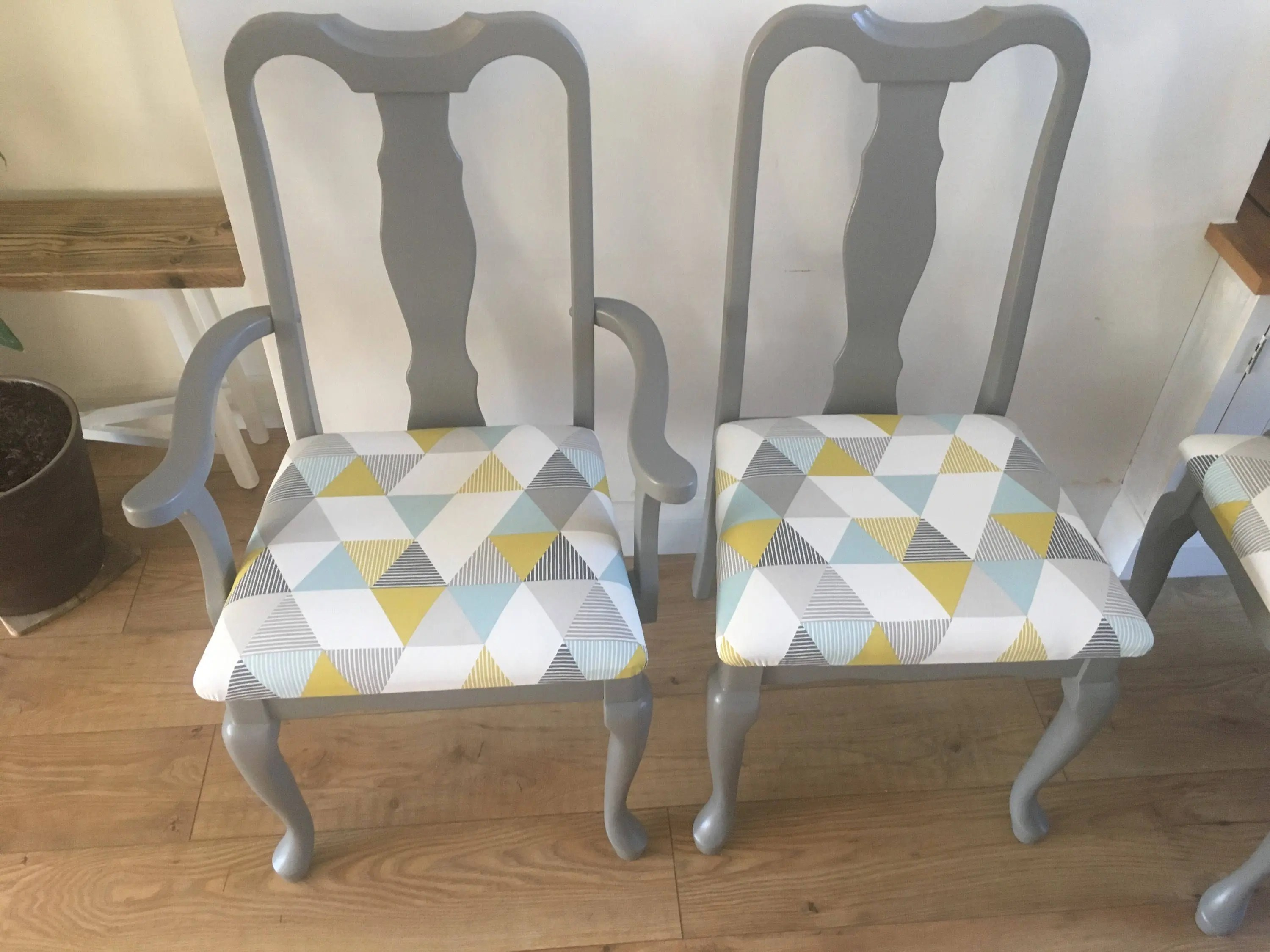 Refurbished Chairs Unique Refurbished Reupholstered Vintage Solid Wood Grey Geometric Dining Chairs X4