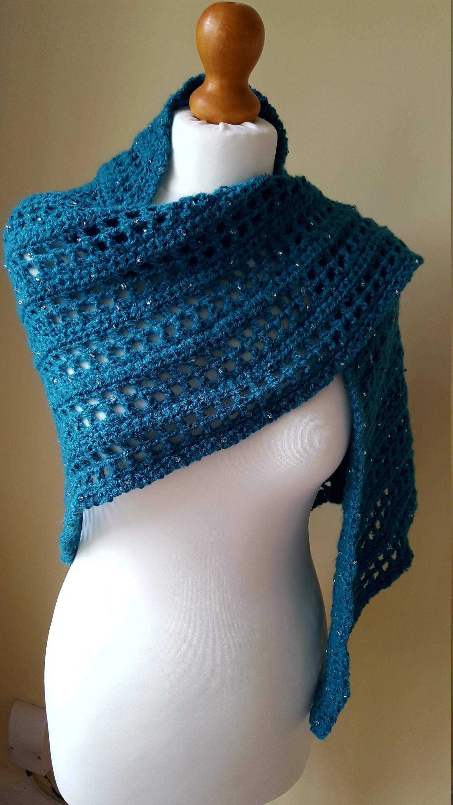Crochet Shawl with glass ...