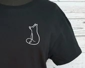 Black T-shirt with minimalist little white fox, short sleeve sweater.