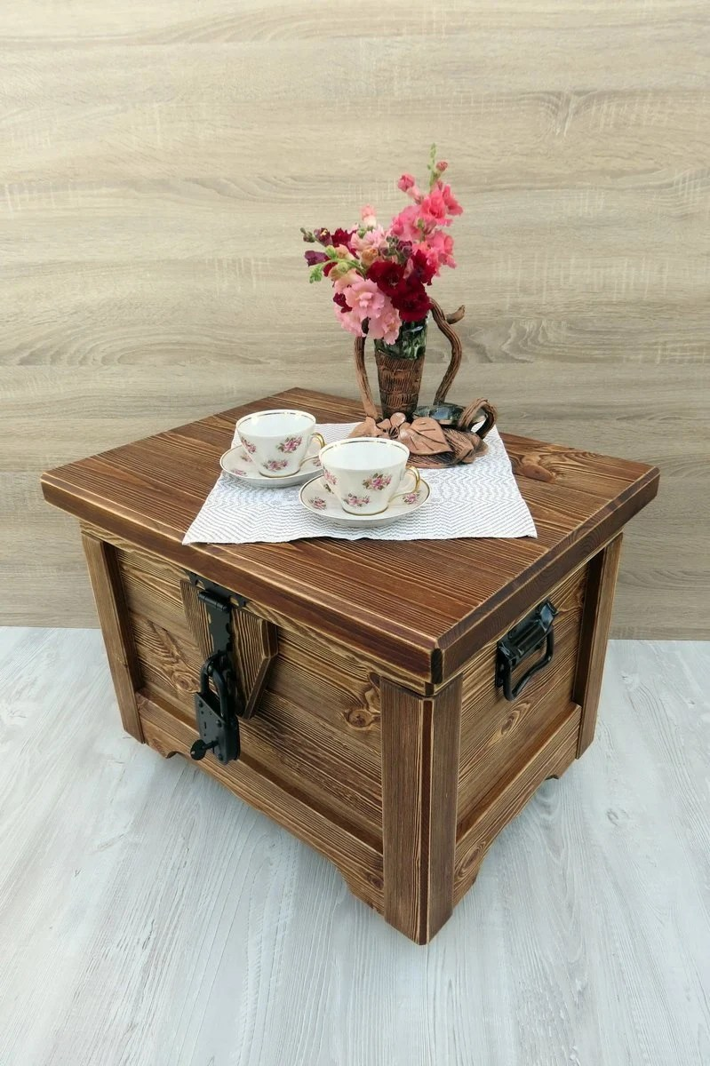 brown rustic wooden chest coffee table on wheels treasure pirate trunk with handles middle blanket storage box mobile kids toy storage bin