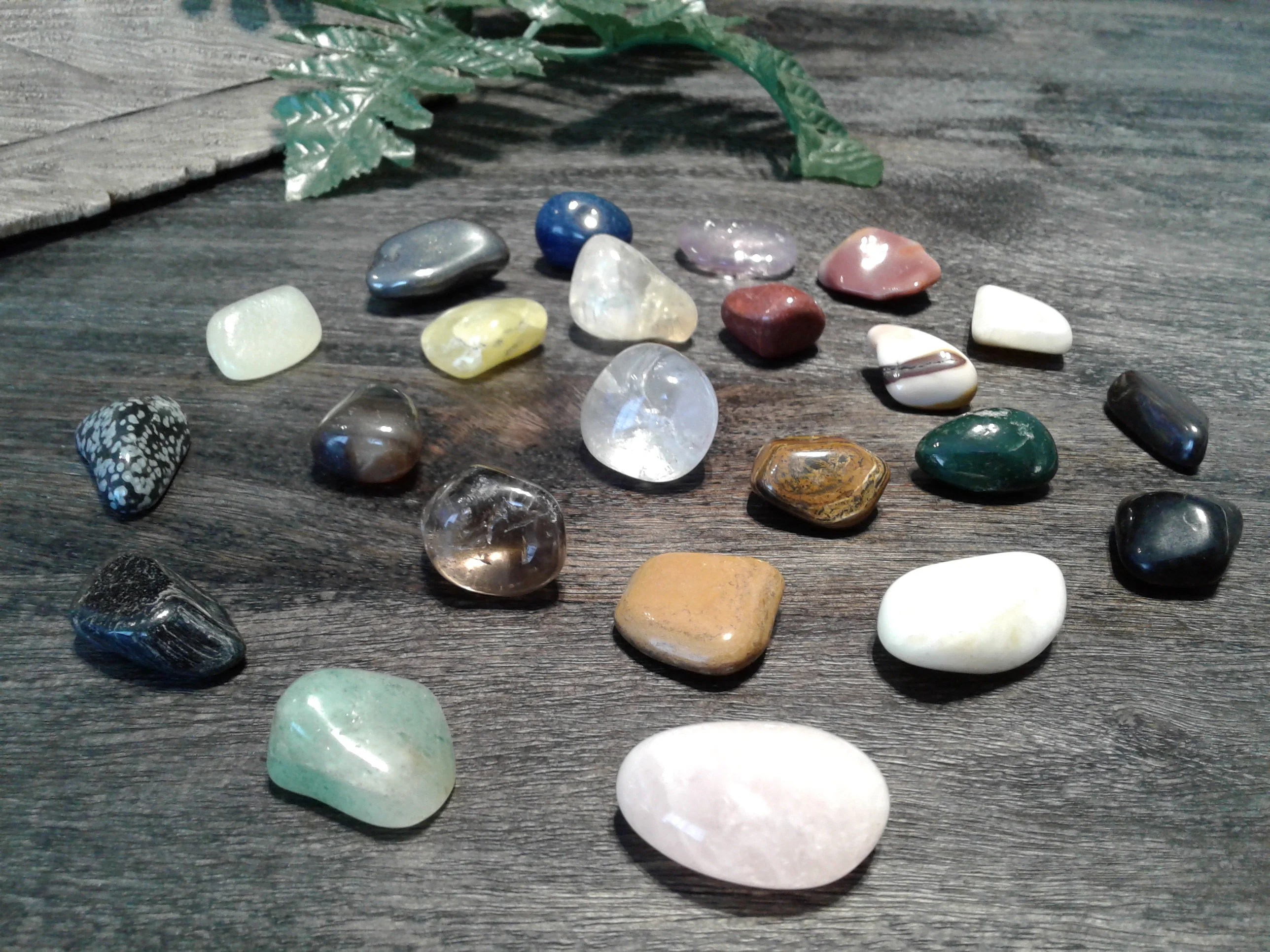 Create your own Crystal Kit.28 genuine stones to choose from. image 7