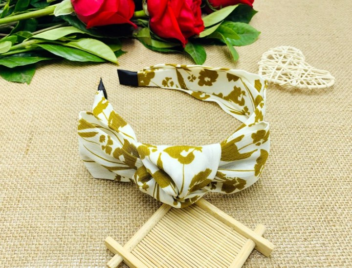 Floral print side bow knotted headbandheadbands for image 0