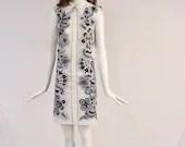 Vintage White and Blue Paisley Mini Dress, 1960s Collared Mini Dress, 1960s Paisley Floral Polyester Dress, Bohemian Paisley Mini Dress