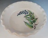 Stoneware Pottery Pie Dish with Grape/Blueberry Design