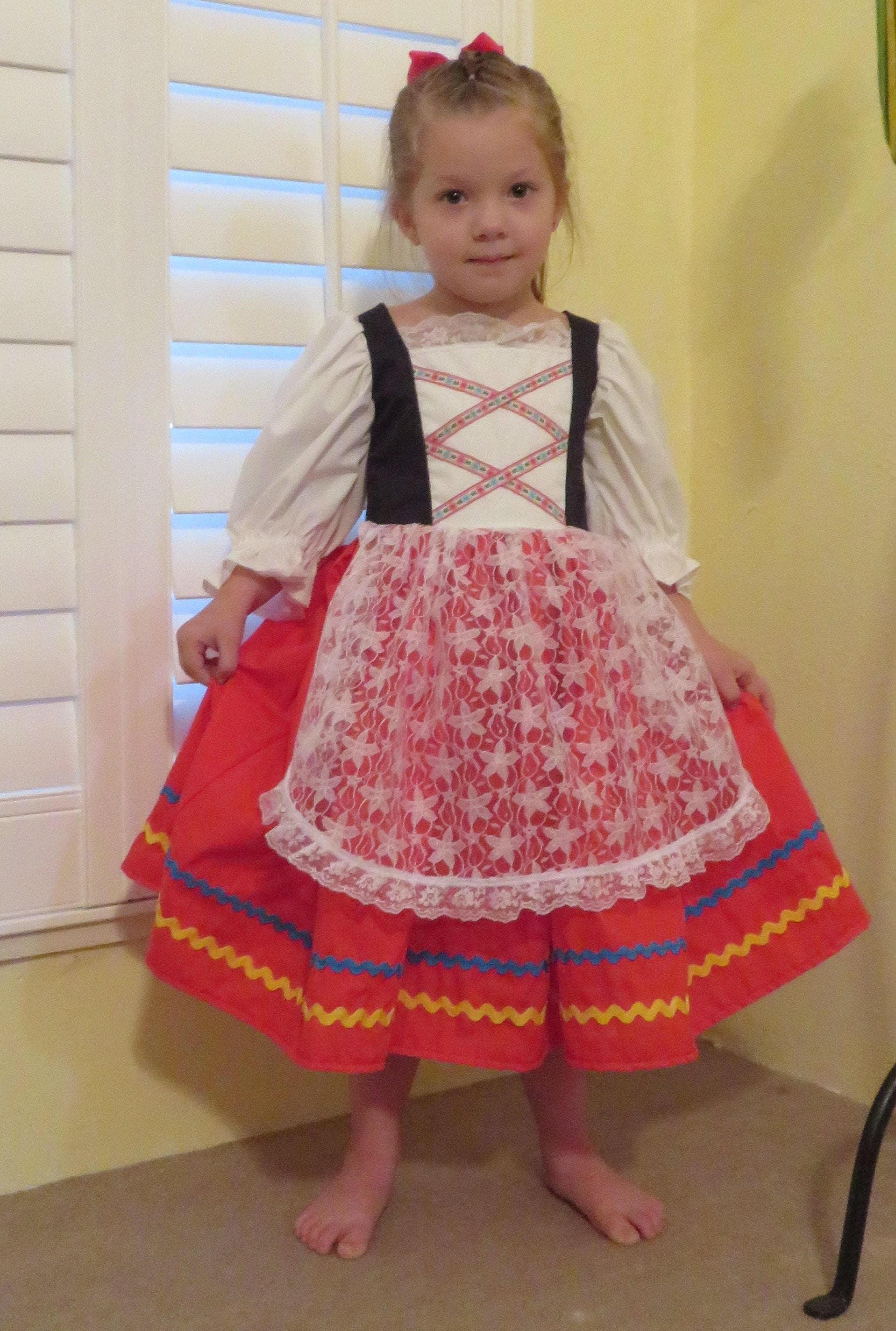 Cute Girls Italian National Traditional Folk Dress Italy