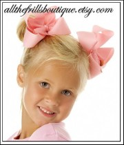 make classic hair bows