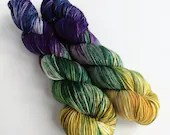 Hand dyed dk wool yarn. Nightshade variegated double knit yarn, superwash merino dk, Crazy 8 dk yarn. Purple green gold, OOAK colourway.