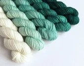 Hand dyed gradient mini skeins. 5 x 20g semi-solid white to teal green  Galadriel, yarn sets. sparkle sock, 4ply/fingering, DK yarn minis.