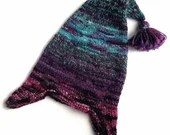 Hand knit adult's woo...
