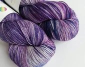 Hand dyed variegated 75/25% superwash BFL/nylon sock/fingering/4ply weight yarn, Purples, pinks, blues, mottled sock yarn, indie dyed yarn