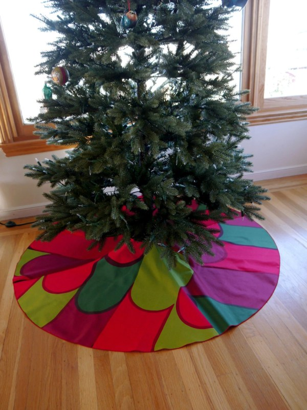 Marimekko Christmas Tree Skirt With Large Feathered