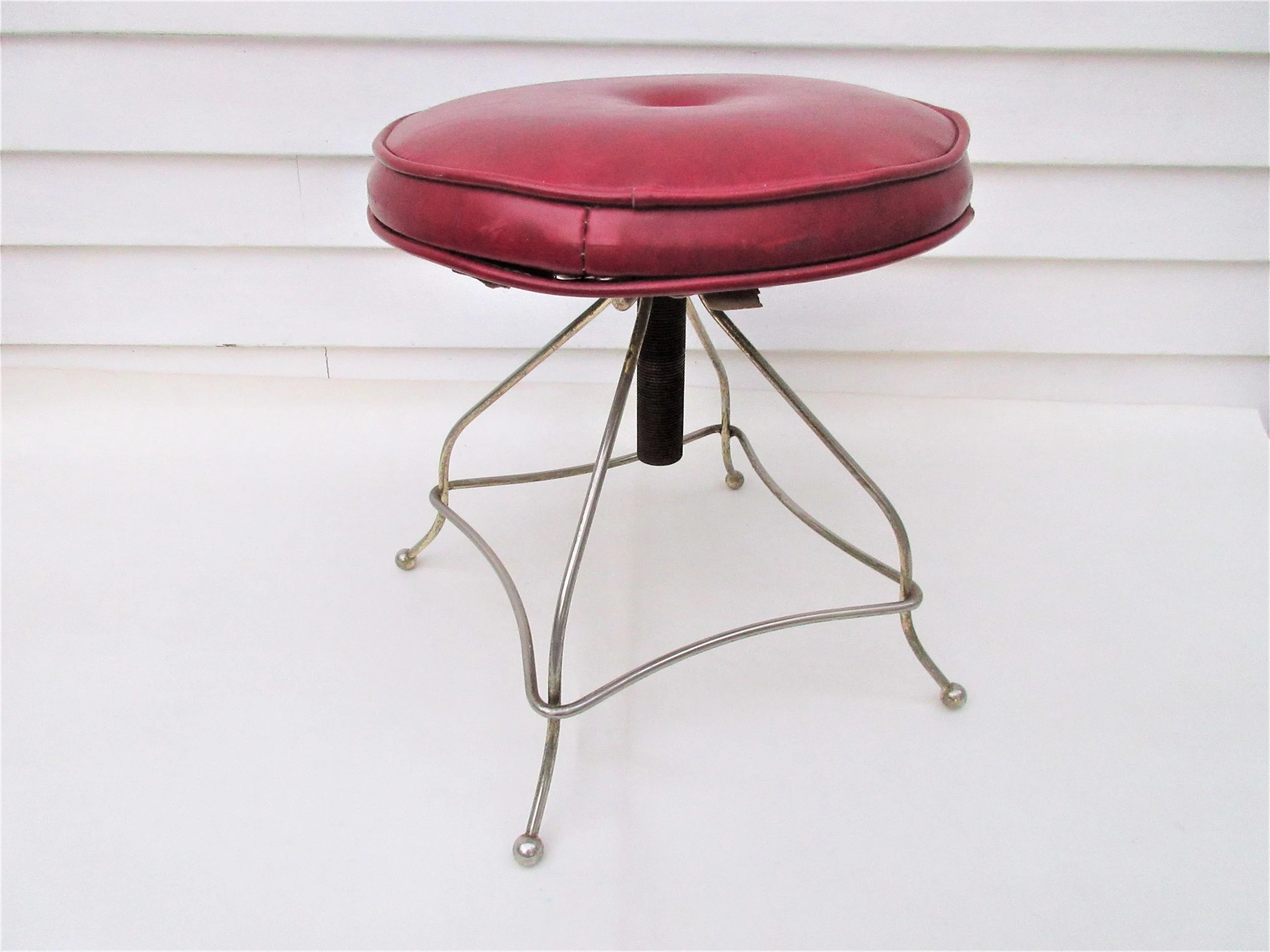 Adjustable Vanity Chair Vintage Metal Vanity Chair Adjustable Swivel Stool Red Vinyl Seat Brass Stool