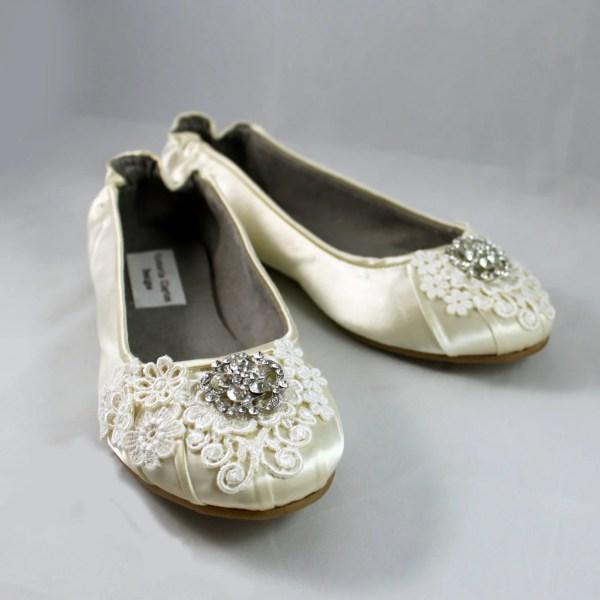 Ivory Lace Wedding Flat Size 7 - Ballet Flats