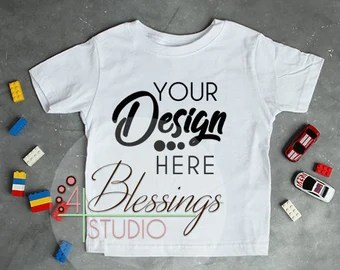 Download Blank White Tshirt Mockup Yellowimages