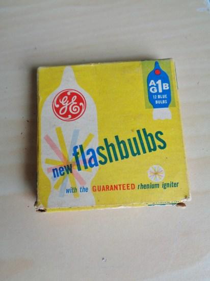 Vintage GE Flashbulbs AG1B image 0
