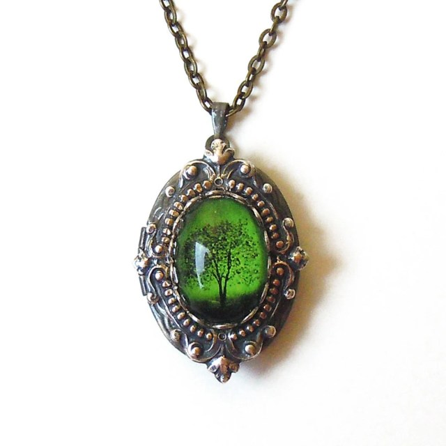 Emerald Bewitched - Locket--- Mother's Day gift---gift for her.silver locket.photo locket.Antique Locket bridesmaid gift .