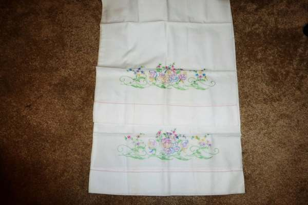Vintage Pair Of Embroidered Pillow Cases Standard Size