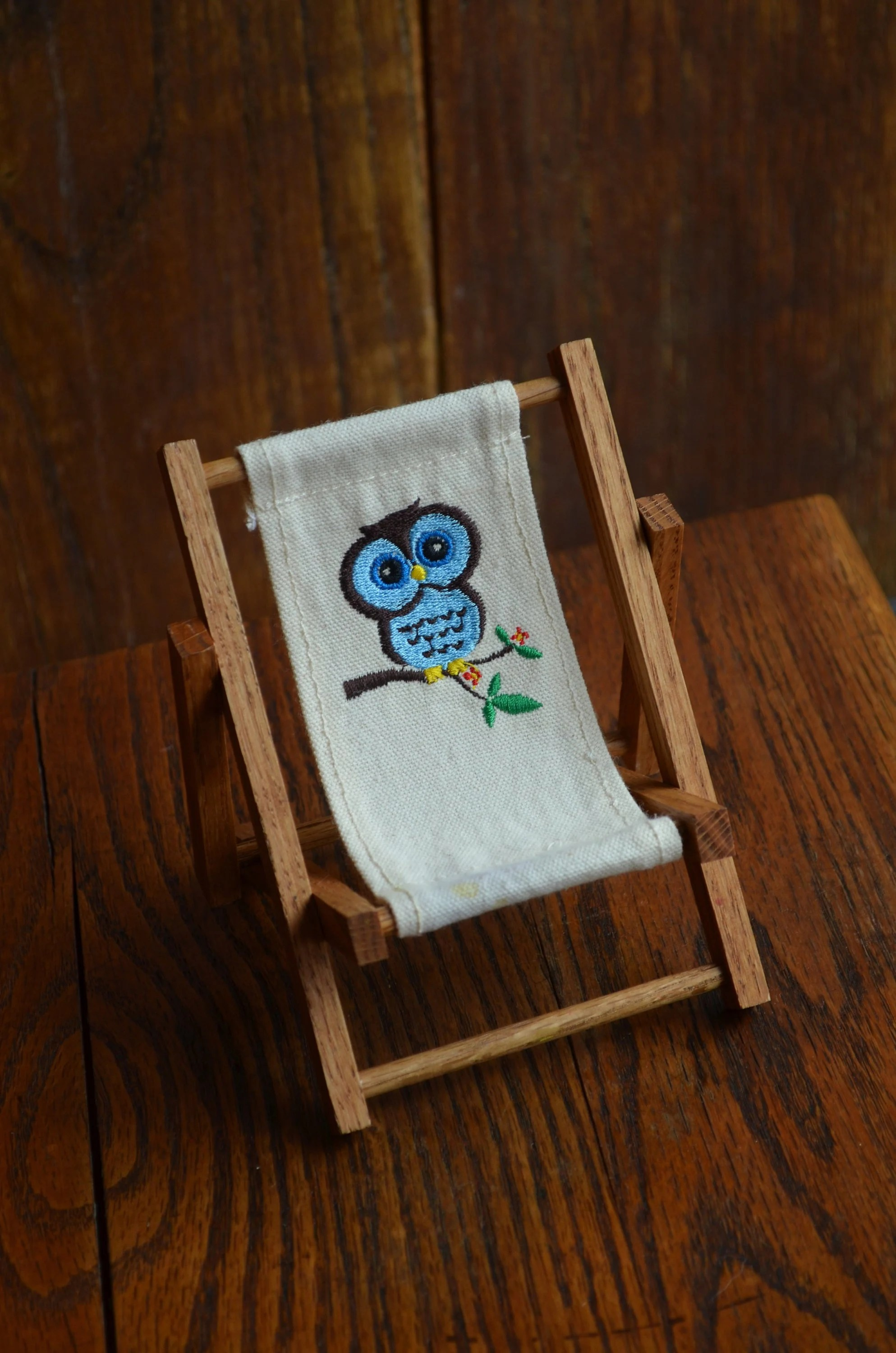 Owl Chair Vintage Dollhouse Folding Lounge Chair With Blue Owl On White Canvas Material Wood Patio Chair For Madeline Dolls Or 6