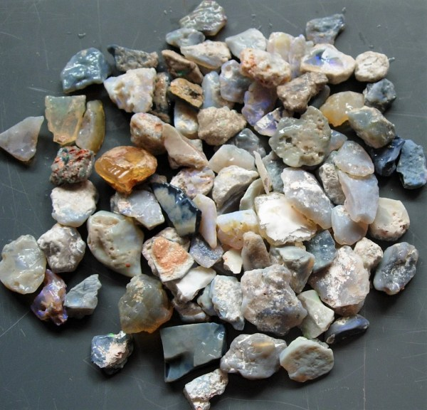 Lightning Ridge 100cts Parcel Of 15mm Rough Opal Chips