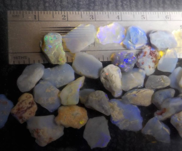 Lightning Ridge 100cts Parcel Of 3 5mm Rough Opal Chips
