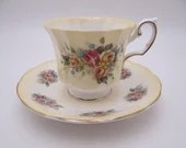 1960s Vintage Elizabethan English Bone China Yellow Rose Bouquet Teacup English Teacup and Saucer Outstanding English Tea cup